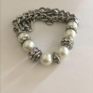 Jewelry - Half pearl half chain bracelet